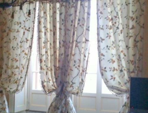 Tende da Interno –  Tenda in seta fiorata