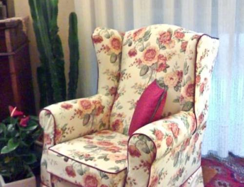 Rifacimento Imbottiti – Poltrona bergere in tessuto fiorato stile Sanderson